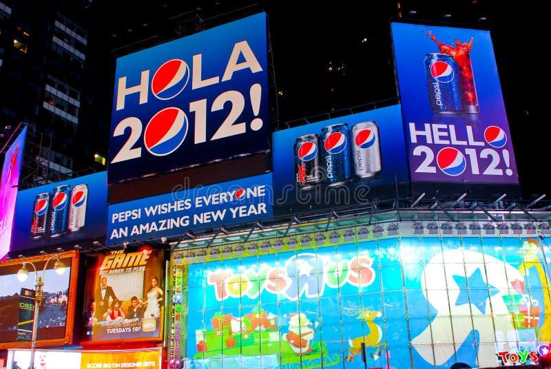Pepsi-cola fait bon accueil à l'an neuf ! Times Square, NYC photos libres de droits