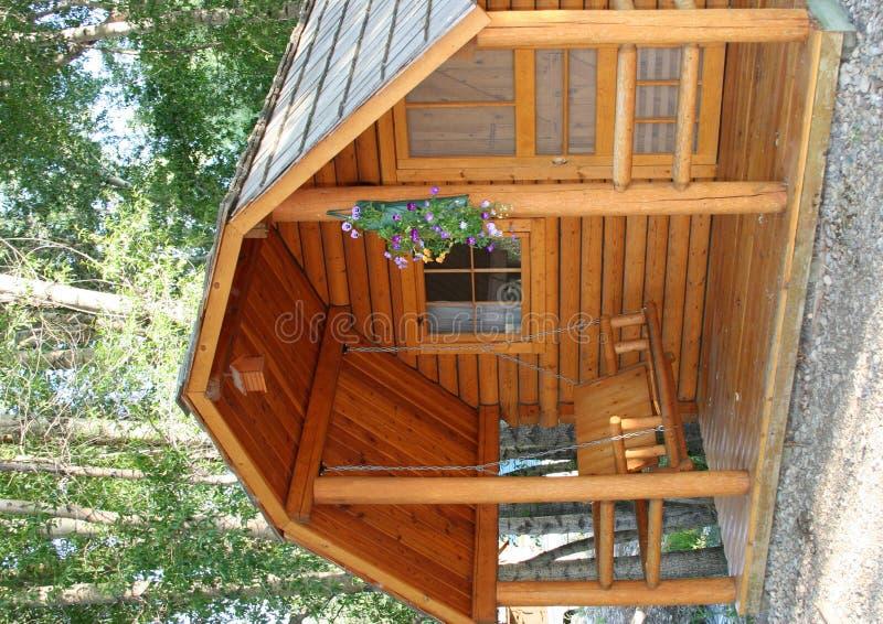 Pequeña cabina de madera fotografía de archivo