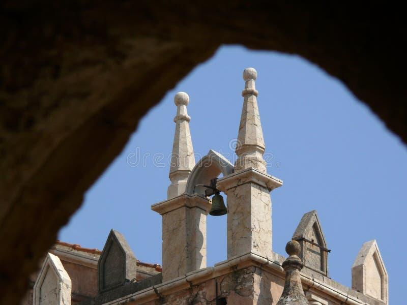 Pequeña campana de una iglesia en Palermo en Italia imágenes de archivo libres de regalías