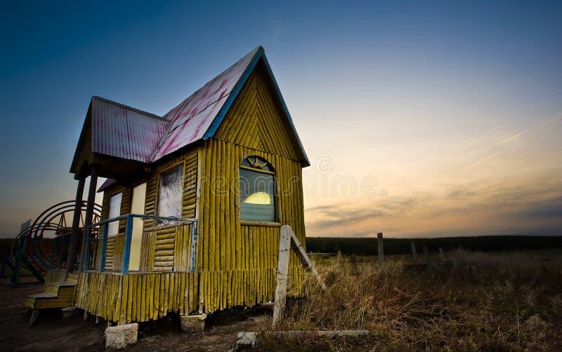 Pequeña casa imagen de archivo libre de regalías