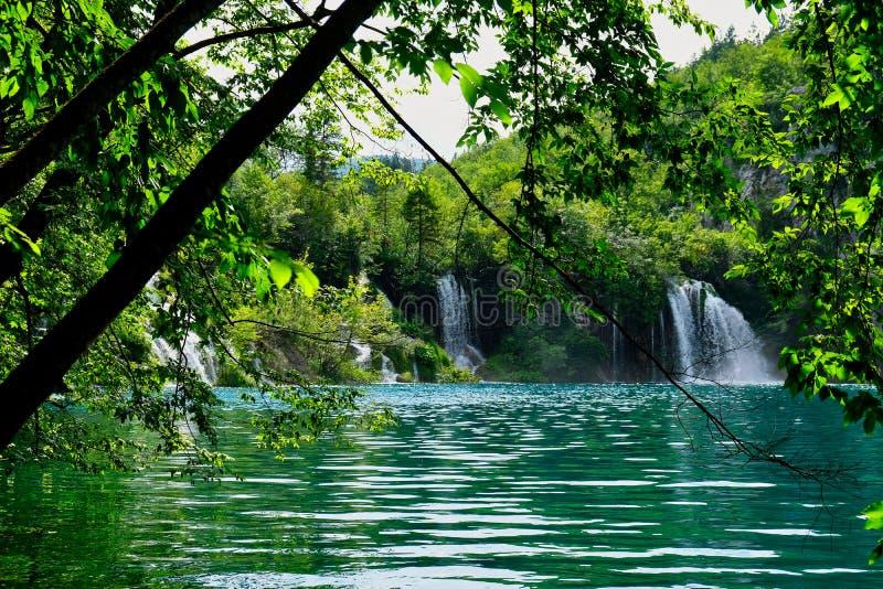 Pequeña cascada, lagos Plitvice, Croacia fotografía de archivo