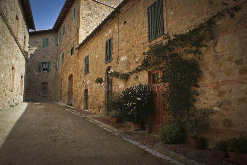 Pequeña ciudad italiana foto de archivo libre de regalías