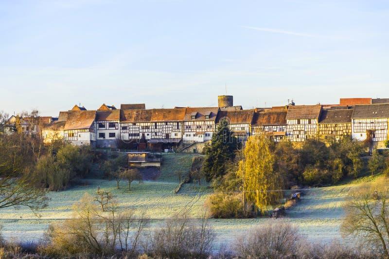 Download Pequeña Ciudad Medieval Walsdorf Imagen de archivo - Imagen de campo, casas: 42439625