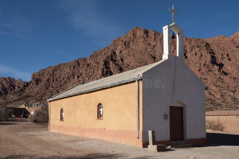 Pequeña iglesia agradable durante el viaje de Quebradas, Bolivia imágenes de archivo libres de regalías