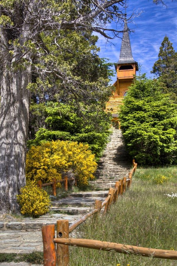 Pequeña iglesia cerca de Bariloche, la Argentina foto de archivo libre de regalías