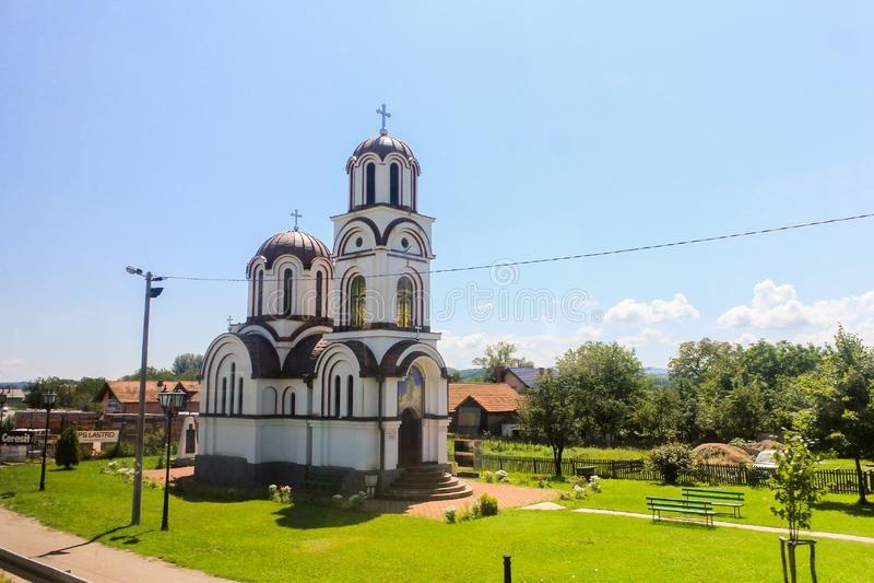 Pequeña iglesia pintoresca fotografía de archivo