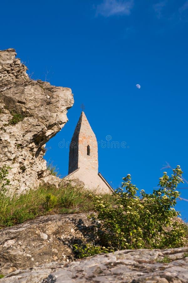 Pequeña iglesia rural imagen de archivo