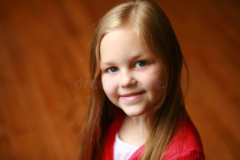 Pequeña muchacha rubia foto de archivo libre de regalías