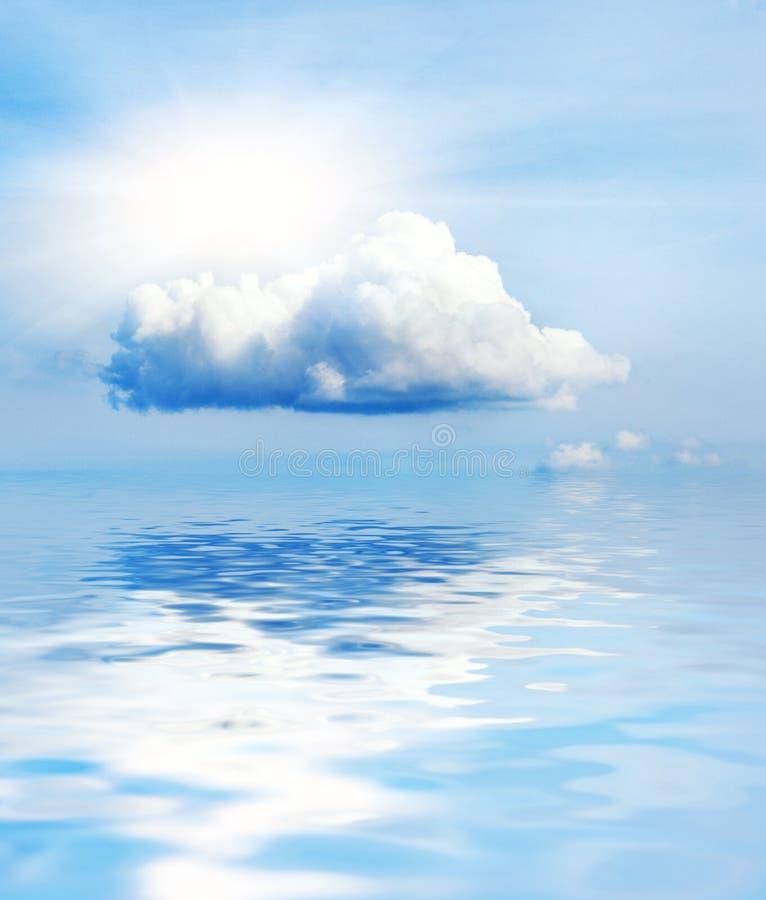 Pequeña nube fotos de archivo