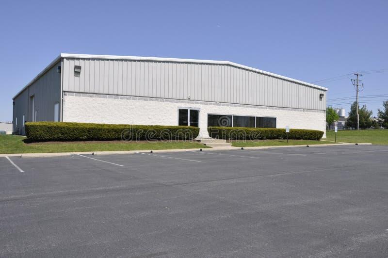 Pequeña oficina o edificio industrial fotos de archivo libres de regalías