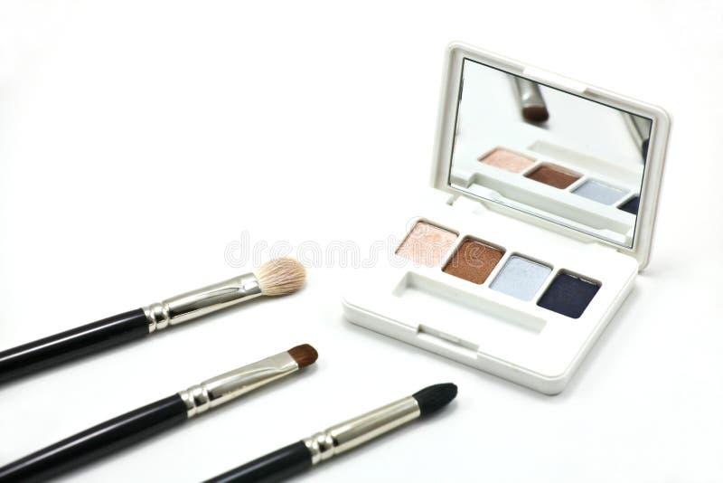 Download Pequeña Paleta De La Sombra De Ojos Foto de archivo - Imagen de maquillaje, cepillo: 41902078