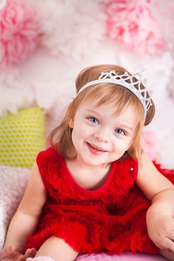 Pequeña princesa en el guisante foto de archivo