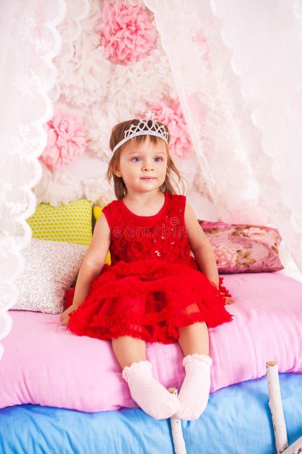 Pequeña princesa en el guisante foto de archivo libre de regalías