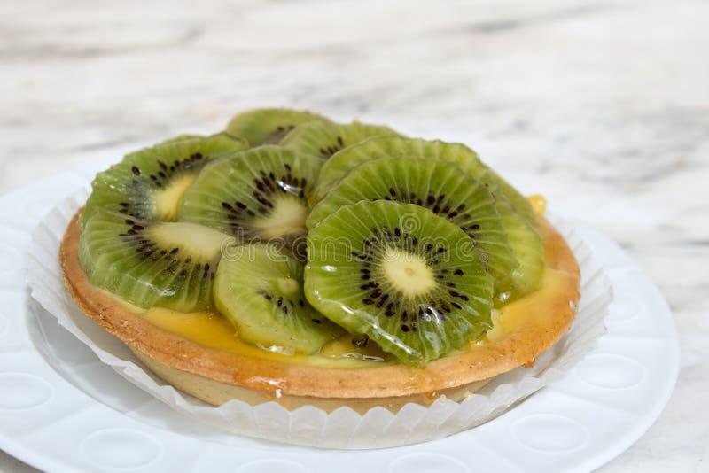 Pequeña tarta del kiwi imagen de archivo libre de regalías