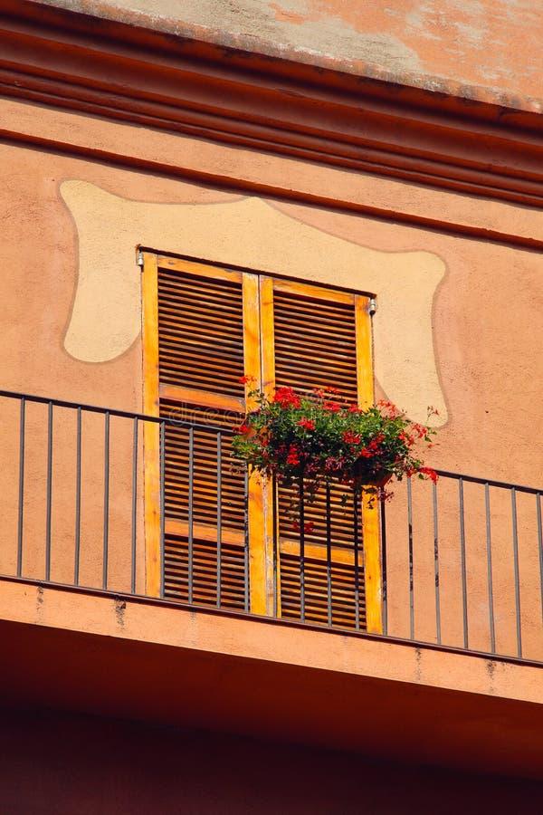 Pequeño balcón español fotos de archivo