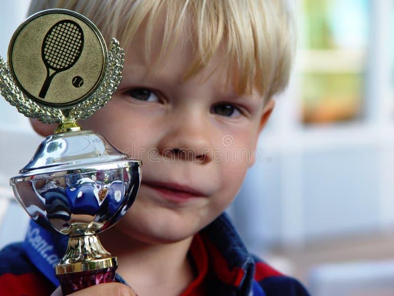 pequeño campeón orgulloso foto de archivo libre de regalías