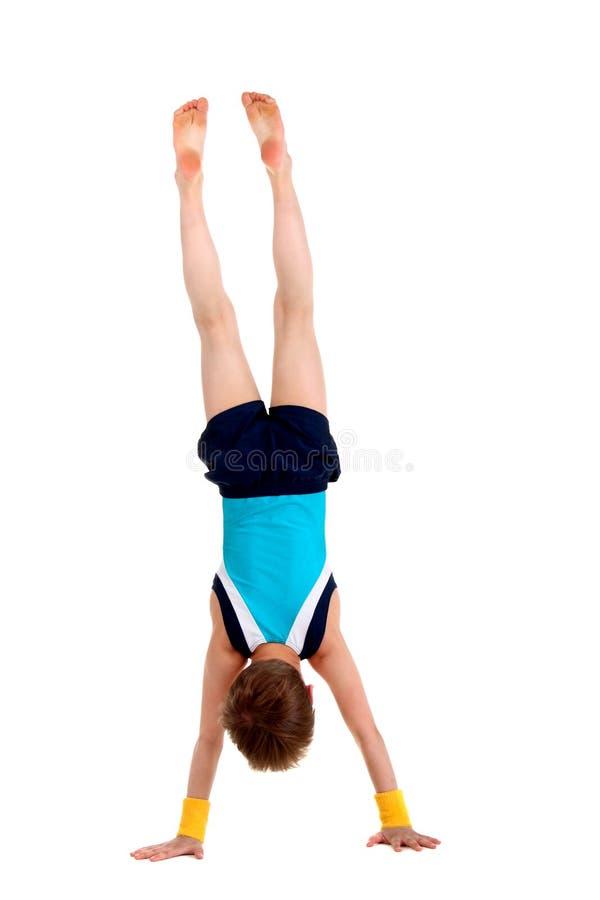 Pequeño gimnasta imagen de archivo