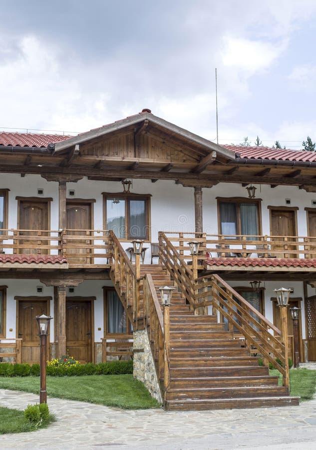 Peque o hotel de los pisos del pa s dos con la escalera for Piso 9 del hotel madero