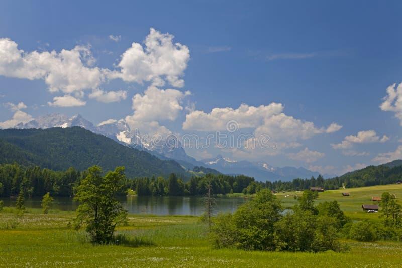Pequeño lago en Baviera fotografía de archivo