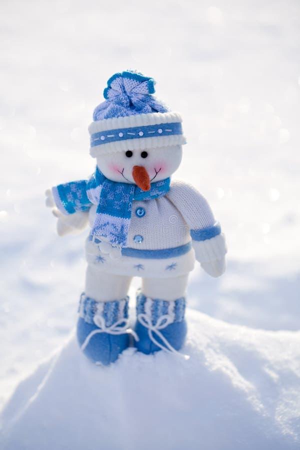 Pequeño muñeco de nieve. imágenes de archivo libres de regalías