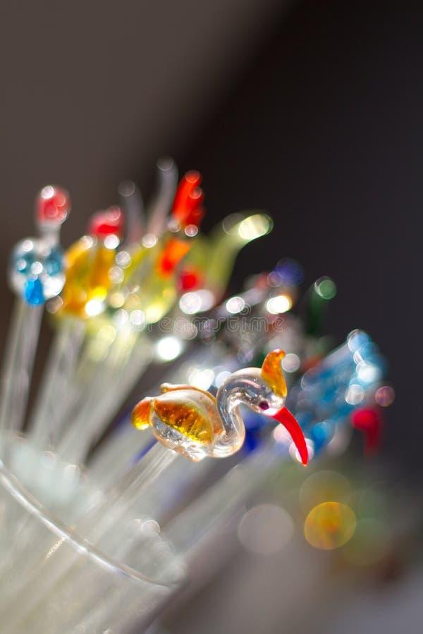 Pequeño pájaro de cristal decorativo del flamenco foto de archivo