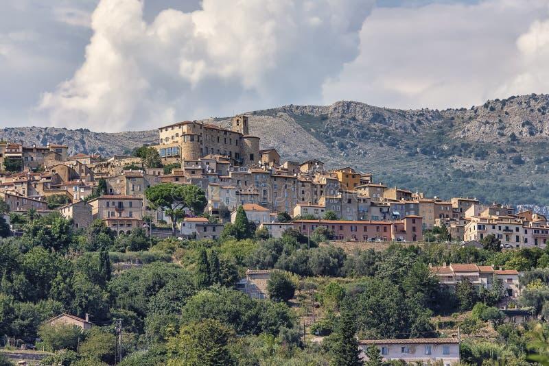 Pequeño pueblo en el sur de Francia foto de archivo