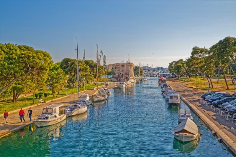Pequeño puerto de Trogir imagen de archivo libre de regalías