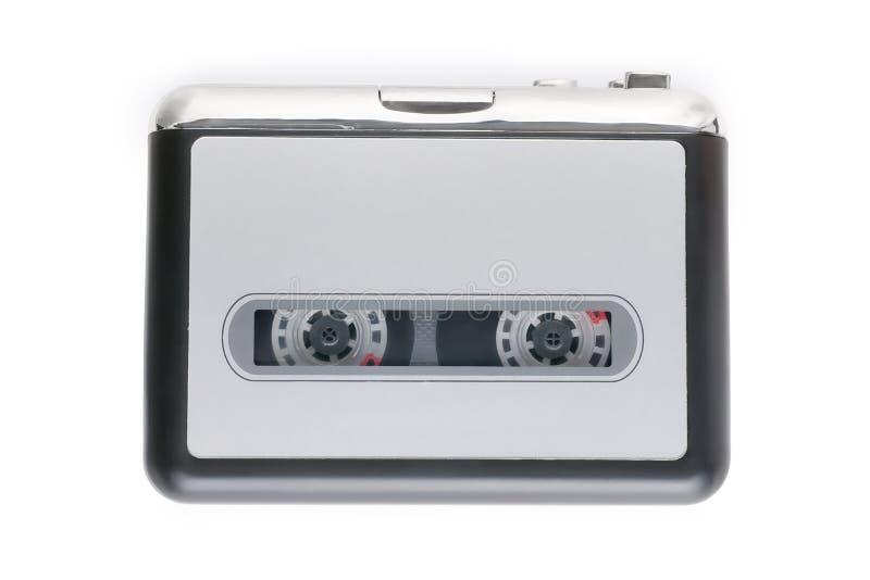 Pequeño reproductor de casete aislado en blanco con la trayectoria de recortes fotografía de archivo