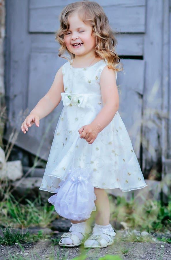 Pequeño vestido de la princesa foto de archivo