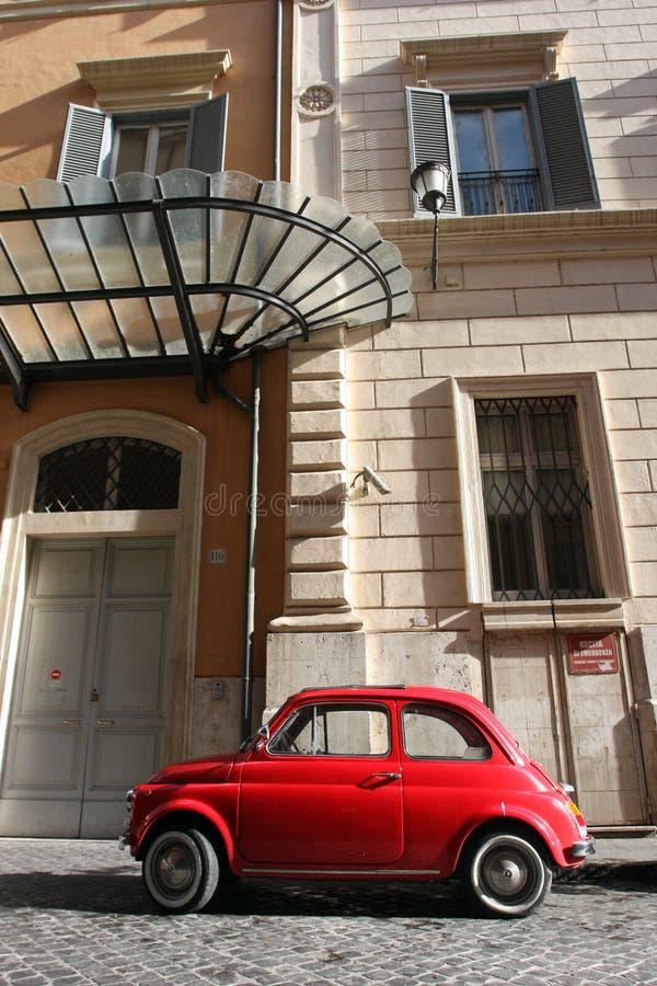 Pequeños coche y ventanas compactos del vintage foto de archivo