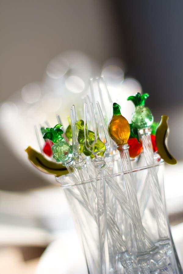 Pequeños pedazos de cristal de la demostración imagen de archivo