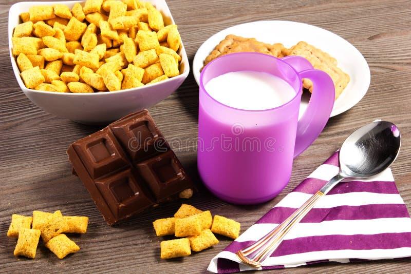 Download Pequeno almoço imagem de stock. Imagem de lunch, delicioso - 26510815