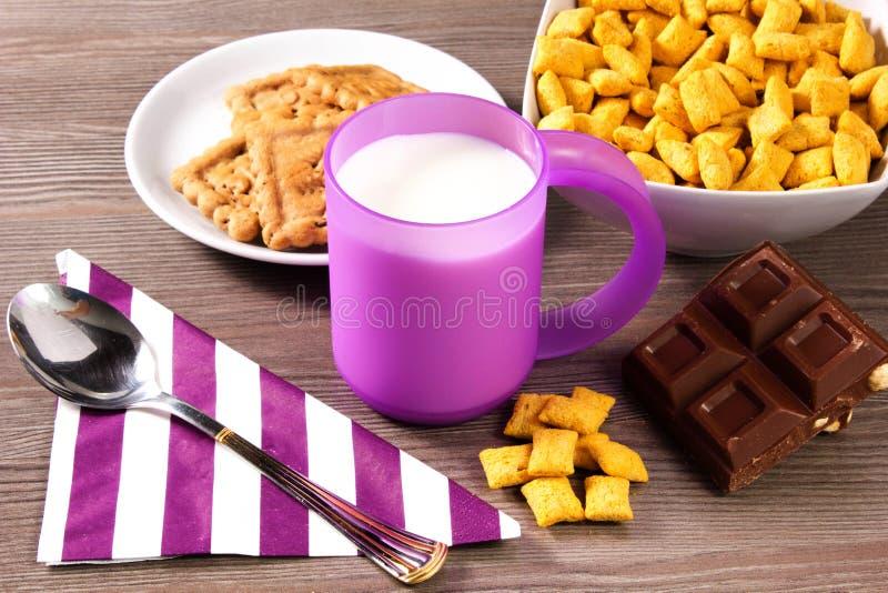 Download Pequeno almoço imagem de stock. Imagem de fresco, refeição - 26510873