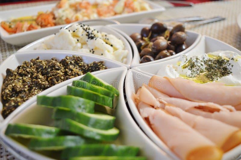 Download Pequeno almoço foto de stock. Imagem de smoked, ovos - 65576522