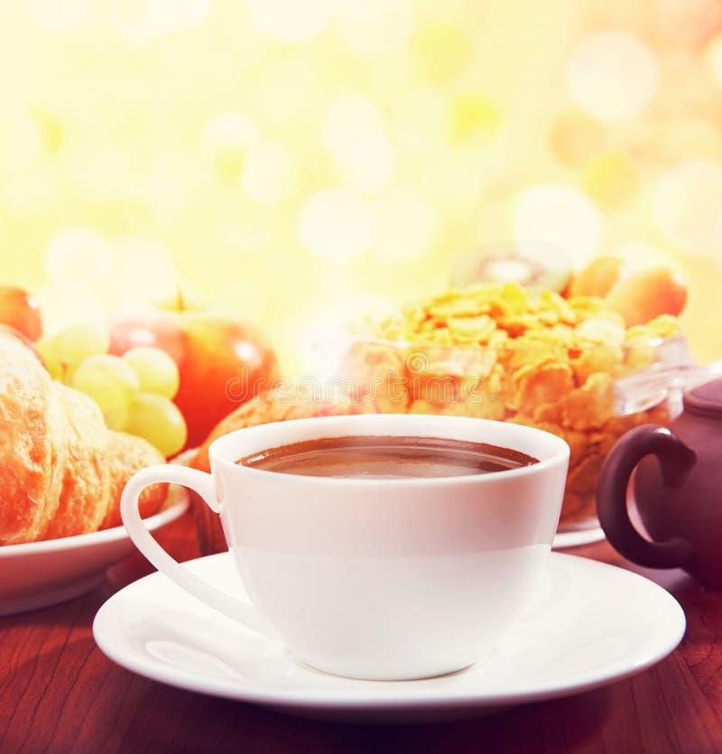 Pequeno almoço com café fotografia de stock