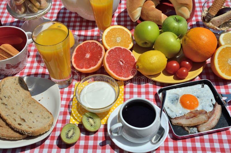 Pequeno almoço delicioso foto de stock