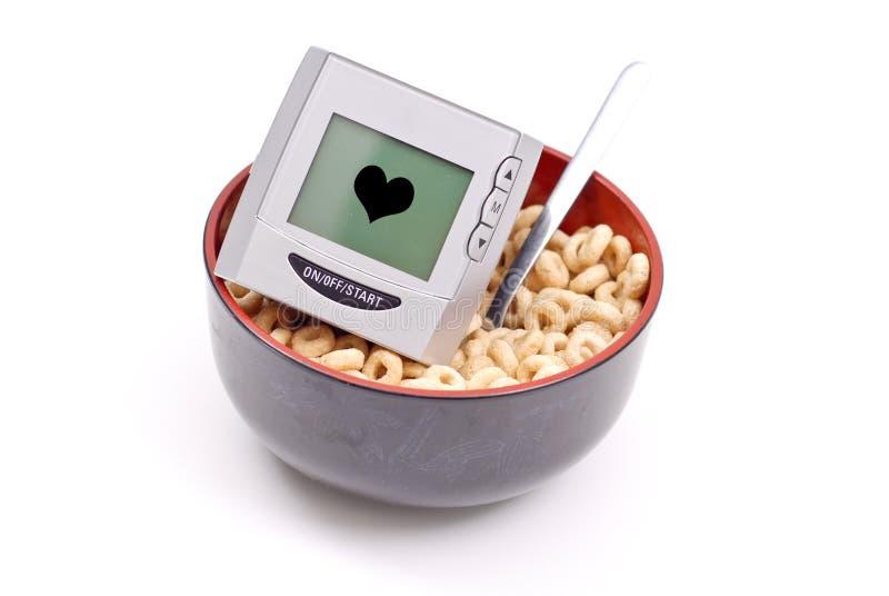 Pequeno almoço saudável do coração fotos de stock royalty free