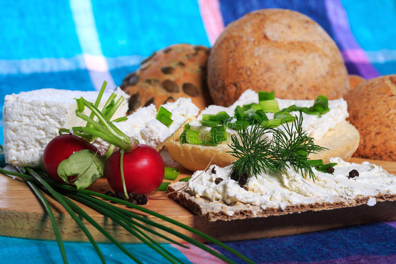 Pequeno almoço saudável, sanduíche, requeijão imagem de stock