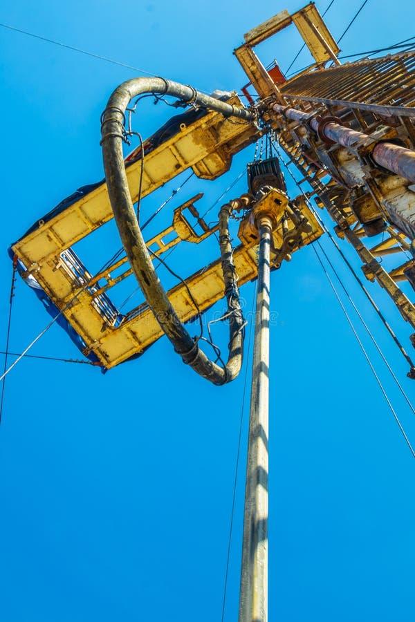 Perçage bon pour la production de pétrole et de gaz au champ images libres de droits