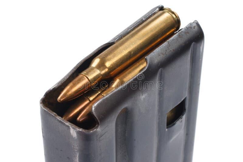 Período de la guerra de Vietnam de la revista del rifle del EJÉRCITO DE LOS EE. UU. M16 20o con la munición foto de archivo
