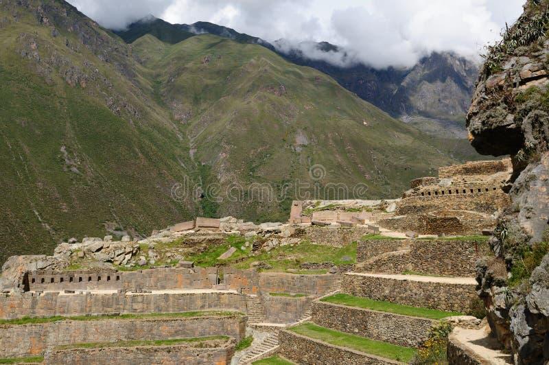 Perú, valle sagrado, fortaleza del inca de Ollantaytambo imagenes de archivo