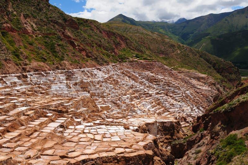 Perú, valle sagrado, mina de sal en Maras imágenes de archivo libres de regalías