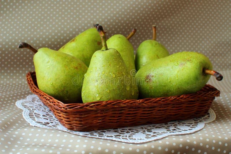 Peras verdes maduras foto de archivo