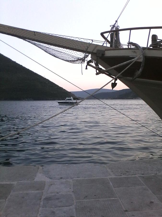 Perast, Μαυροβούνιο, Sailboat στοκ εικόνα με δικαίωμα ελεύθερης χρήσης