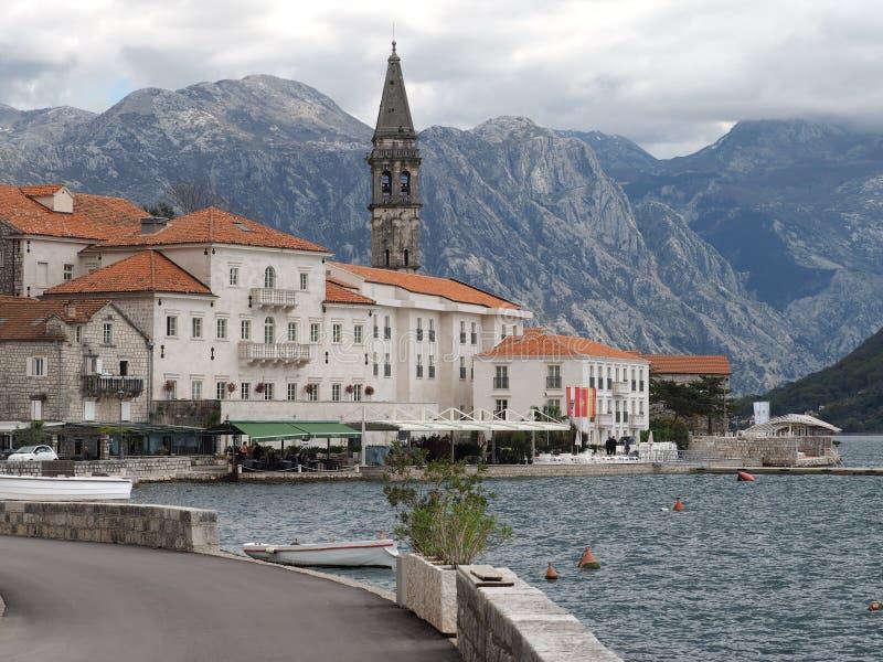 Perast старый городок на заливе Kotor в Черногории Оно расположено немного километров к северо-западу от Kotor стоковое фото rf