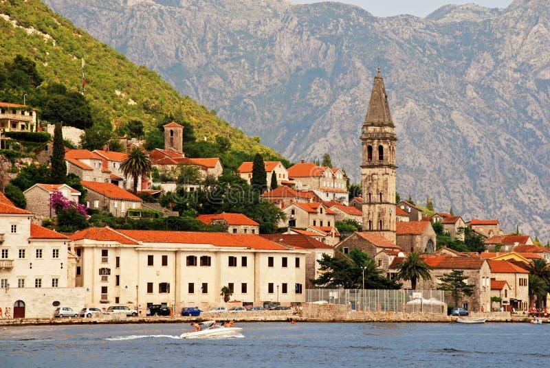 Download Perast, Bahía De Kotor, Montenegro Imagen editorial - Imagen de nautical, edificio: 42425375