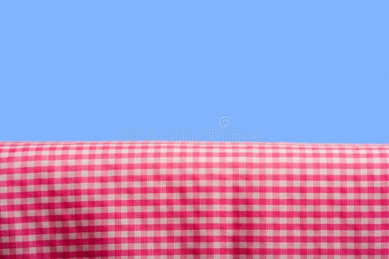 Percalle dentellare su cielo blu fotografia stock