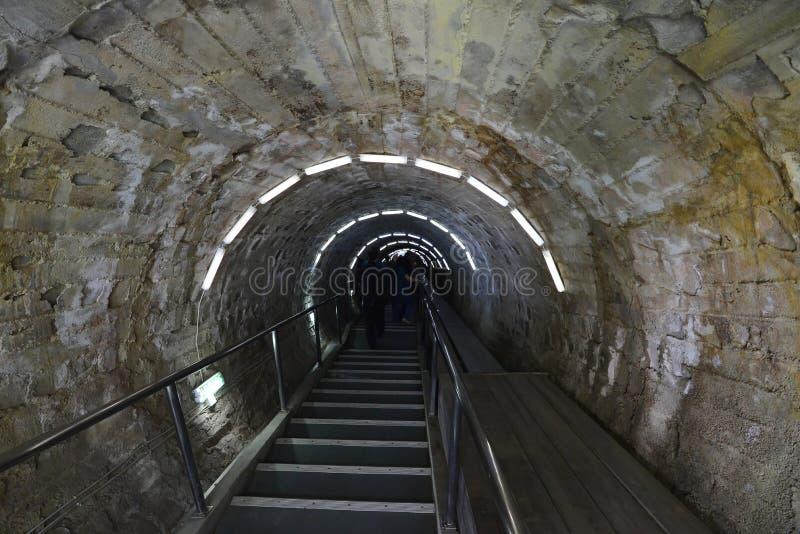 Percez un tunnel à la mine de sel Salina Turda en Roumanie photo libre de droits