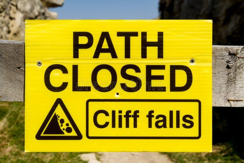 Percorso chiuso, segno di Cliff Falls fotografia stock