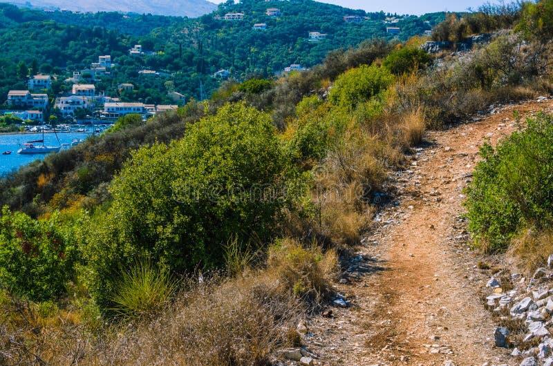 Percorso di camminata ad Agios Stefanos, Corfù, Grecia immagini stock libere da diritti